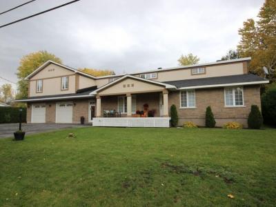 Photo of 1043 Meadow Lane Road, Cumberland, Ontario K4C1C3