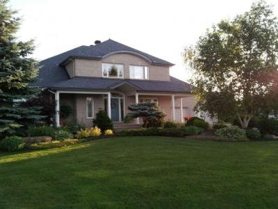 Photo of 32 Barcham Crescent, Nepean, Ontario K2J3Z7