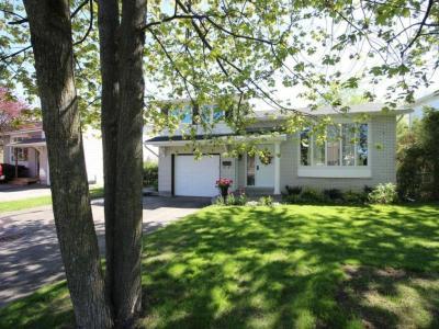 Photo of 6 Bearbrook Road, Gloucester, Ontario K1B3H9