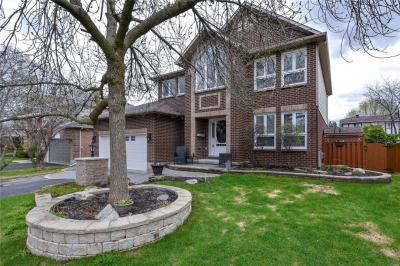 Photo of 8 Hedgerow Lane, Stittsville, Ontario K2S1C9
