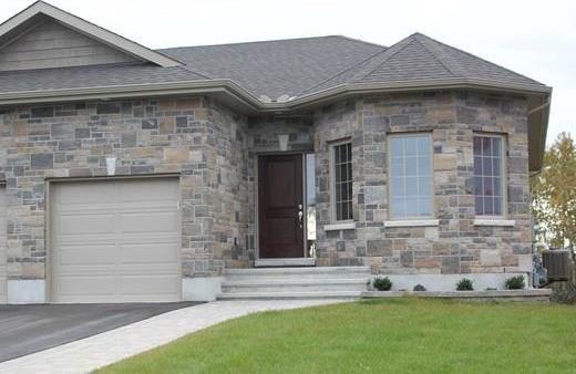 717 Meadowridge Circle, Ottawa, Ontario K0A1L0