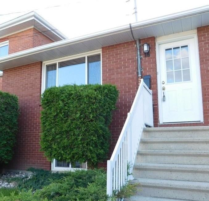 16 Charles Street, Arnprior, Ontario K7S1A7