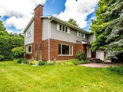 Photo of 39 Pineland Avenue, Ottawa, Ontario K2G0E6