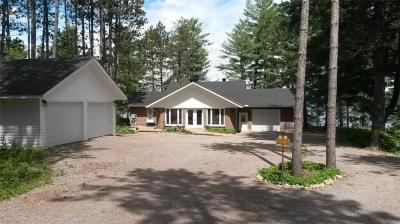 Photo of 818 Lakeview Drive, Killaloe, Ontario K0J2A0