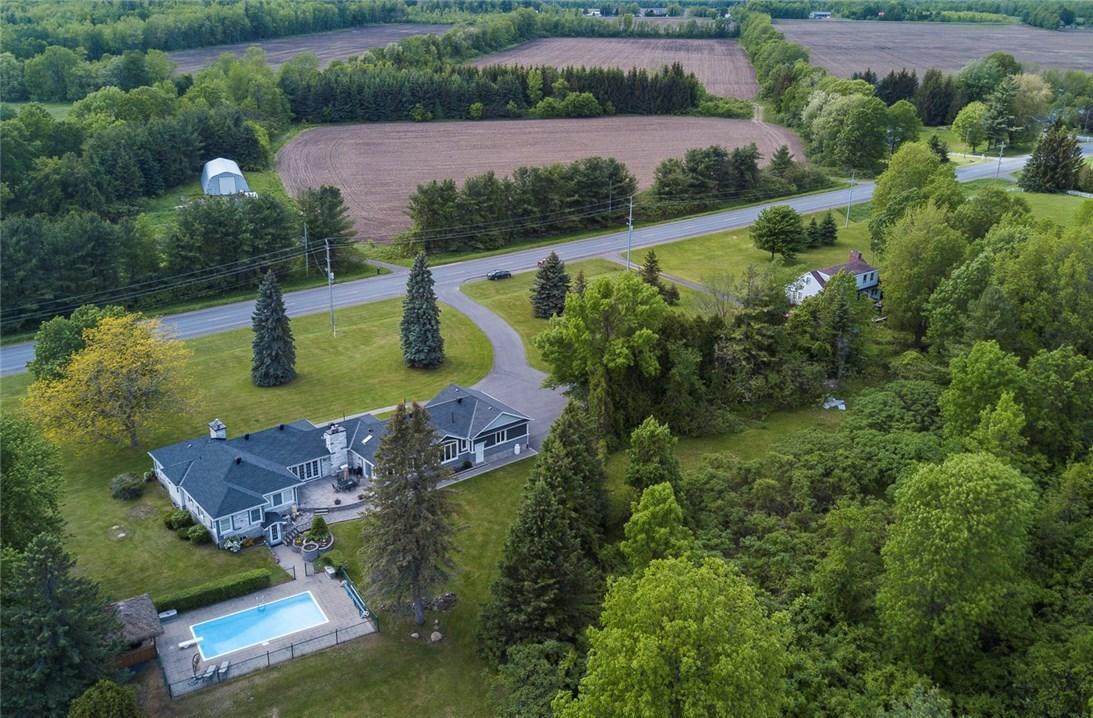 10526 County Rd 2 Road, Iroquois, Ontario K0E1K0
