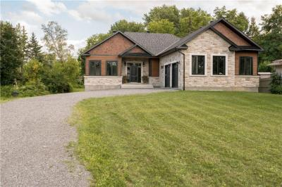 Photo of 444 Church Street, Russell, Ontario K4R1A9