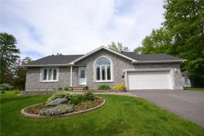 Photo of 314 Daniel Crescent, Rockland, Ontario K4K1K7