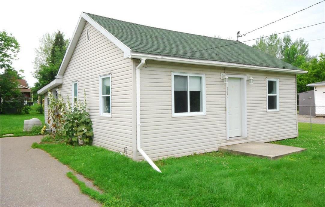 186 Dufferin Street, Renfrew, Ontario K7V2K8