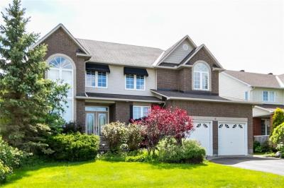 Photo of 8 Coachman Crescent, Ottawa, Ontario K2S1X7