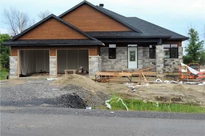 Photo of 10 Beggs Court, Kars, Ontario K0A2E0