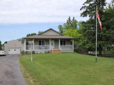 Photo of 361 Castor Street, Russell, Ontario K4R1C3