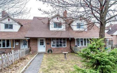 Photo of 1795 Heron Road, Ottawa, Ontario K1V6A2