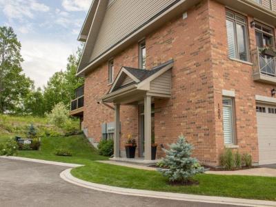 Photo of 100 Lionel Private, Ottawa, Ontario K4A0X1