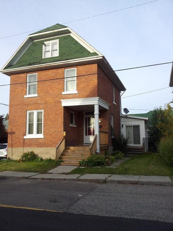 183 Ross Street, Renfrew, Ontario K7V2J1