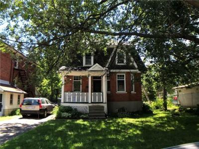 Photo of 266 Currell Avenue, Ottawa, Ontario K1Z7J6