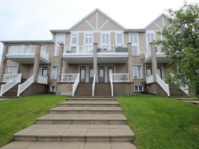 Photo of 107 Eye Bright Crescent, Gloucester, Ontario K1V2K5