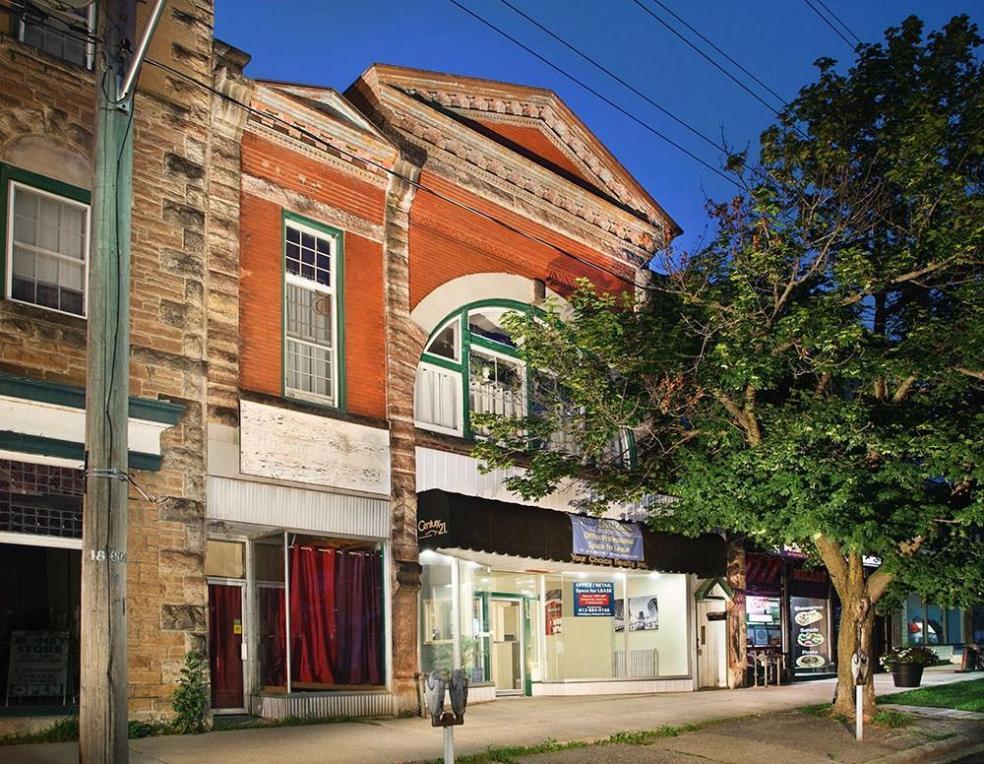 8 Main Street E, Smiths Falls, Ontario K7A1A2