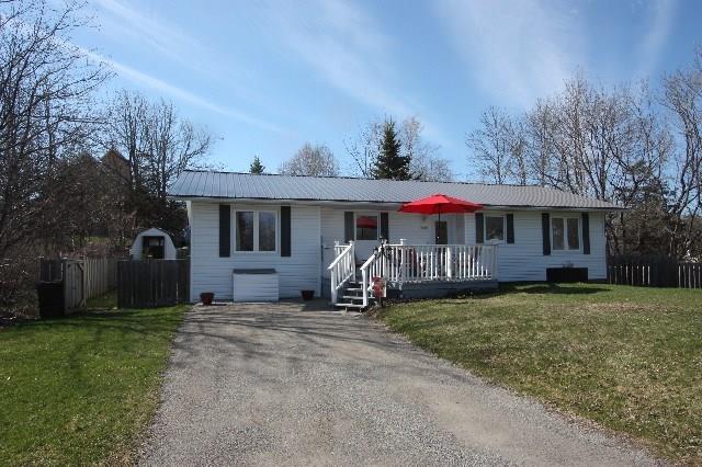 19 Stevens Street, Newboro, Ontario K0G1P0