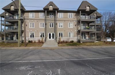 Photo of 2 Warner Street Unit#101, Russell, Ontario K4R0B4