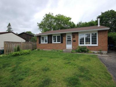 Photo of 3051 Huntingdon Court, Gloucester, Ontario K1T1R1