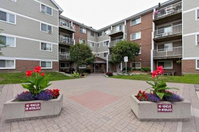 Photo of 270 Brittany Drive Unit#203, Ottawa, Ontario K1K4M4