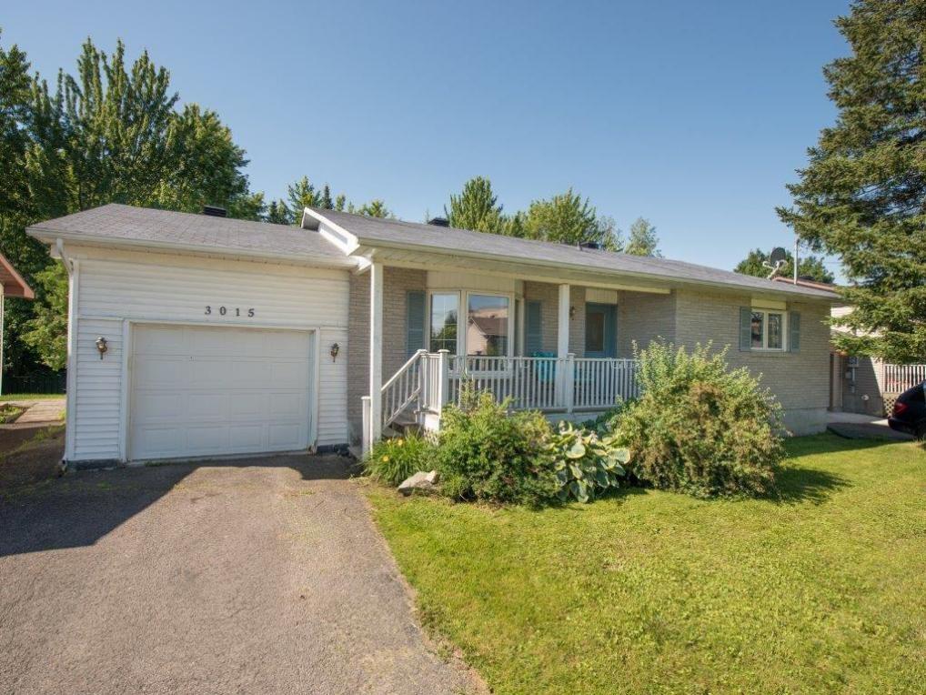 3015 Lemay Circle, Rockland, Ontario K4K1A6