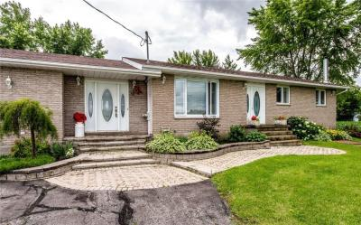 Photo of 10050 Marionville Road, Russell, Ontario K4R1E5