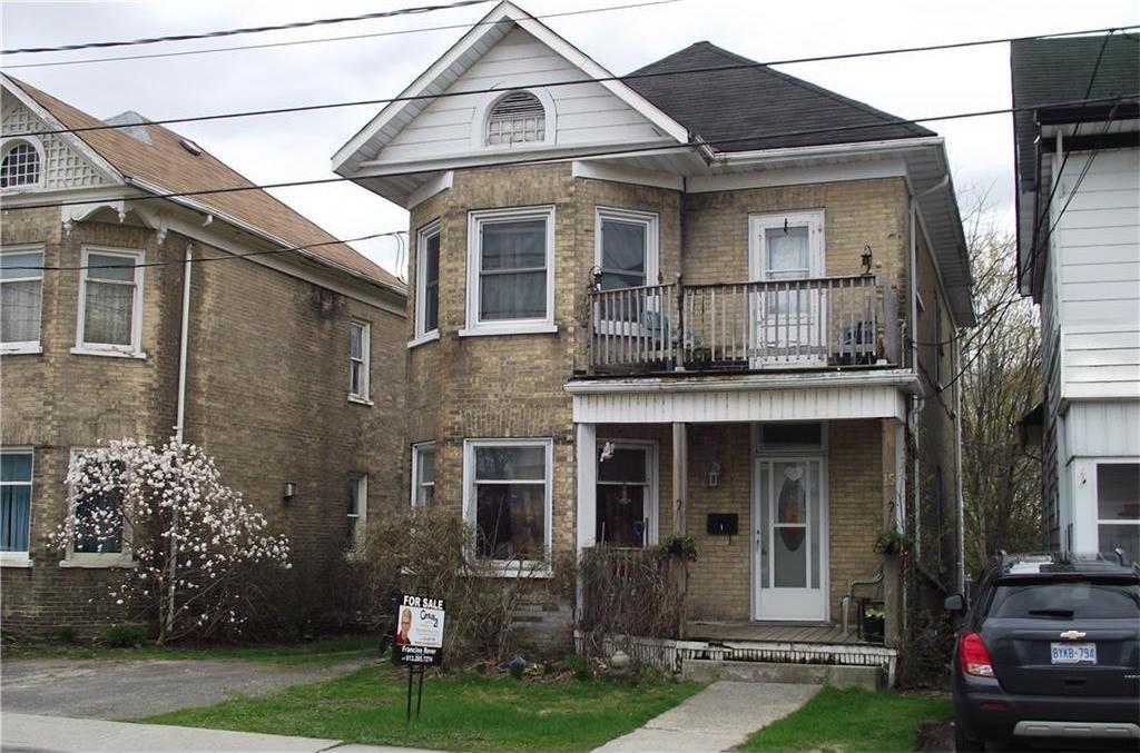 15 Church Street W, Smiths Falls, Ontario K7A1P6