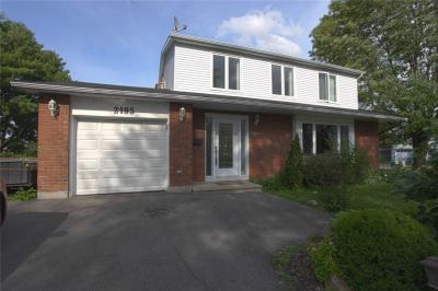 Photo of 2195 Emard Crescent, Gloucester, Ontario K1J6K5