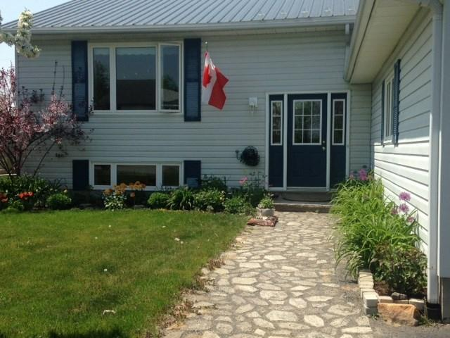 17 Grove Street, Iroquois, Ontario K0E1K0