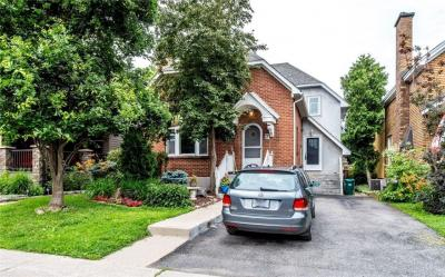 Photo of 7 Brown Street, Ottawa, Ontario K1S1L9