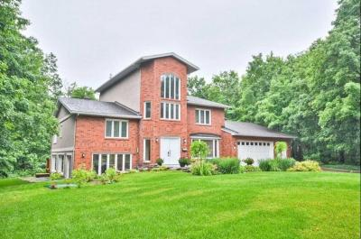 Photo of 11 Fairhaven Way, Ottawa, Ontario K1K0R4