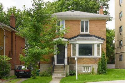 Photo of 118 Springfield Road, Ottawa, Ontario K1M1C6
