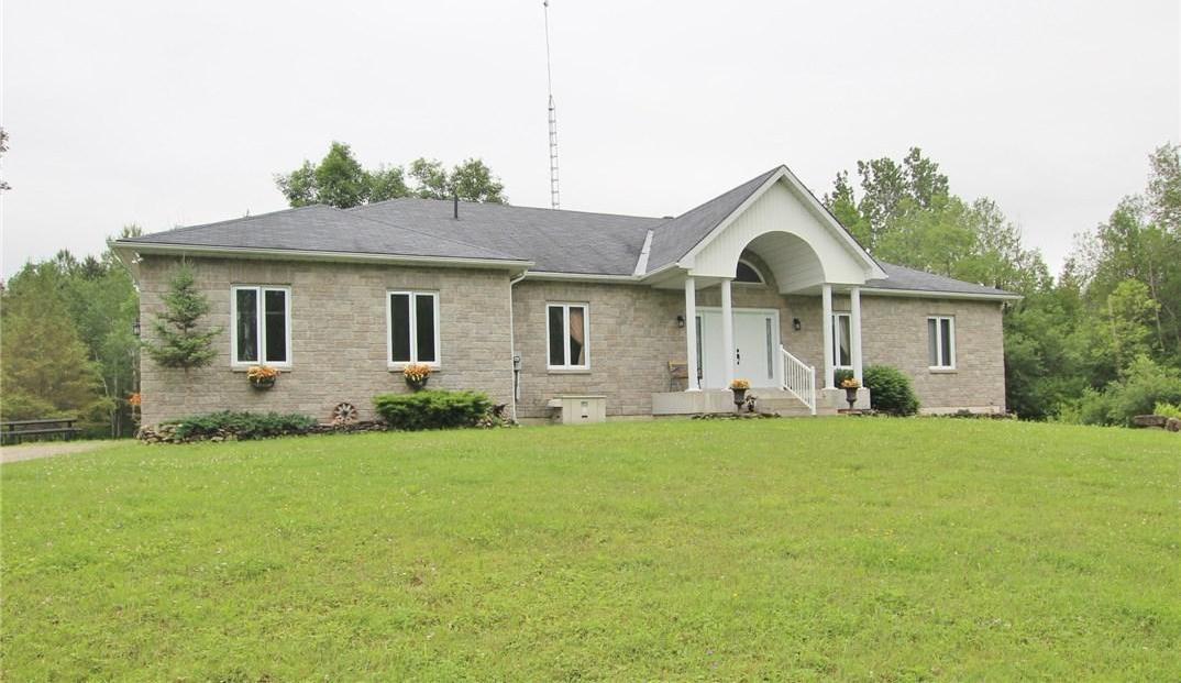 520 Wolford Centre Road, Merrickville, Ontario K0G1N0