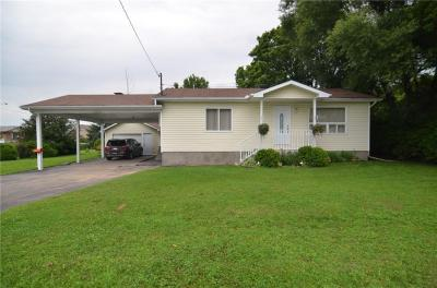 Photo of 2834 Colonial Road, Cumberland, Ontario K0A3E0
