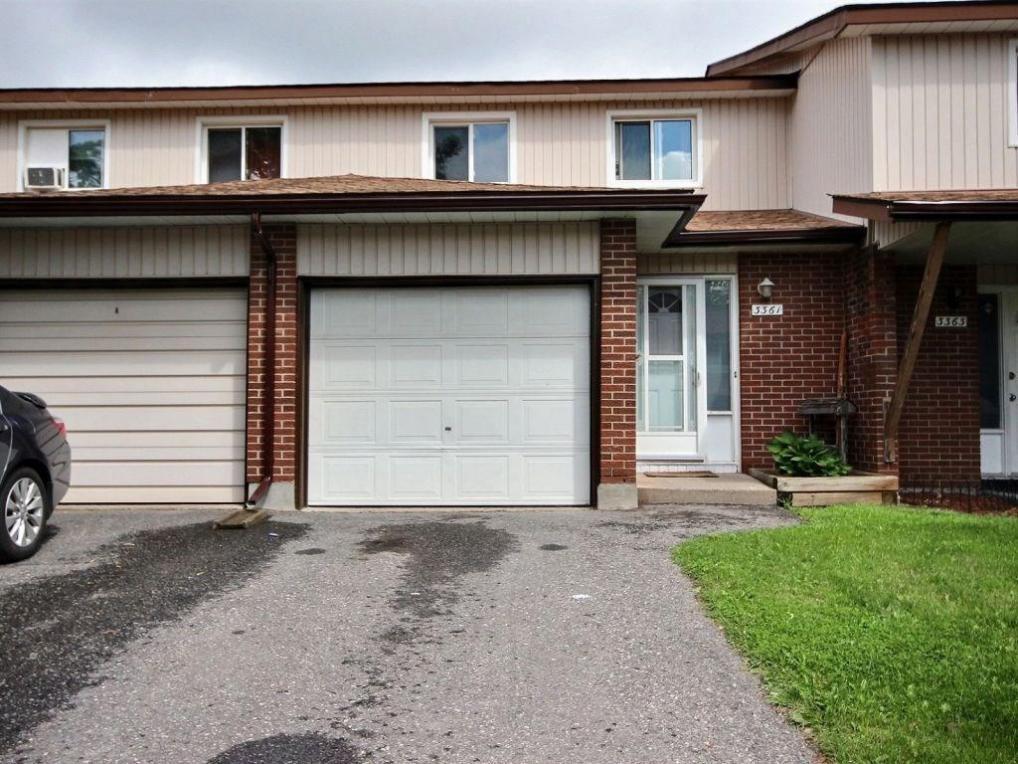 3361 Hogarth Avenue, Gloucester, Ontario K1T1S8
