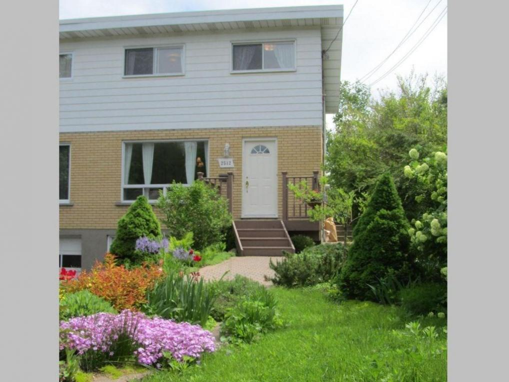 2512 Gravelle Crescent, Ottawa, Ontario K1B3A3