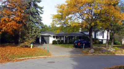 Photo of 27 Apache Crescent, Ottawa, Ontario K2E6H8