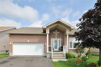 Photo of 176 Filion Street, Russell, Ontario K0A1W0