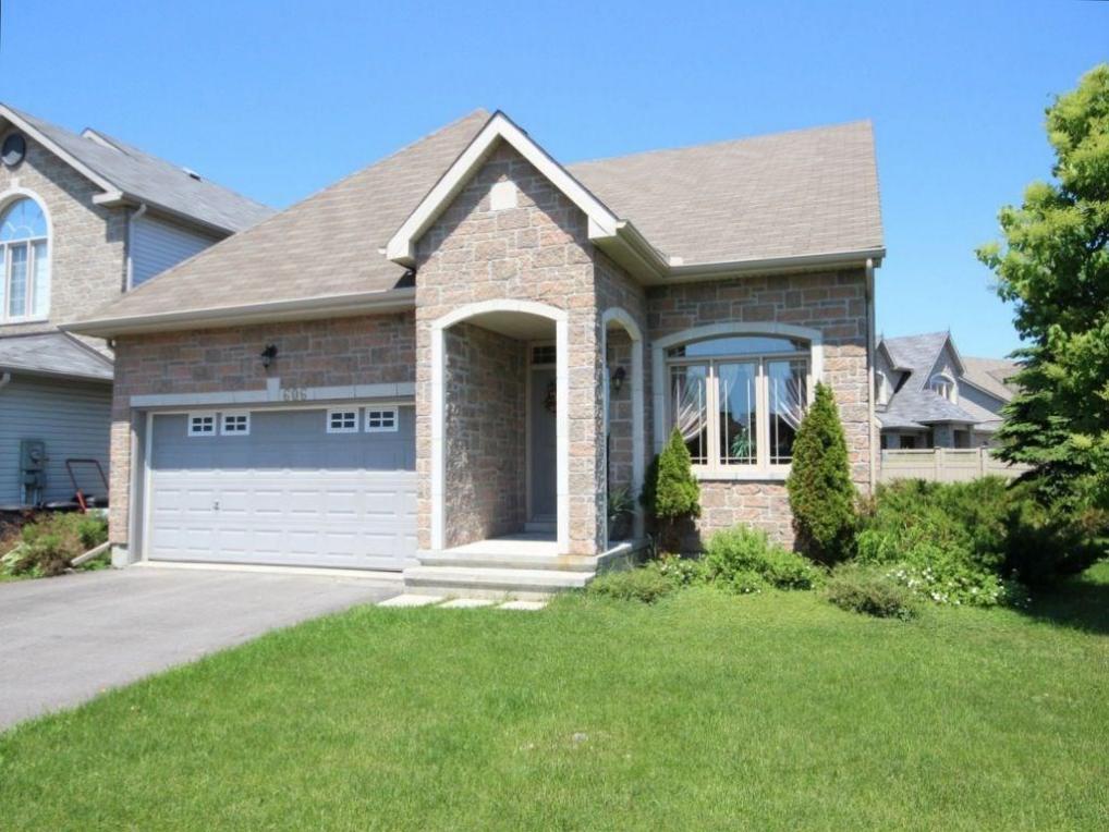 606 Pine Vista Drive, Ottawa, Ontario K4A5B2