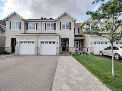 Photo of 722 Oakglade Avenue, Kanata, Ontario K2M0B3