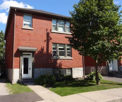 Photo of 201 Ivy Crescent, Ottawa, Ontario K1M1X9