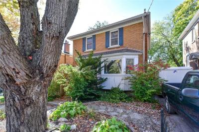 Photo of 116 Springfield Road, Ottawa, Ontario K1M1C6
