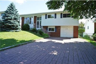 Photo of 25 Silver Aspen Crescent, Ottawa, Ontario K1B3C3