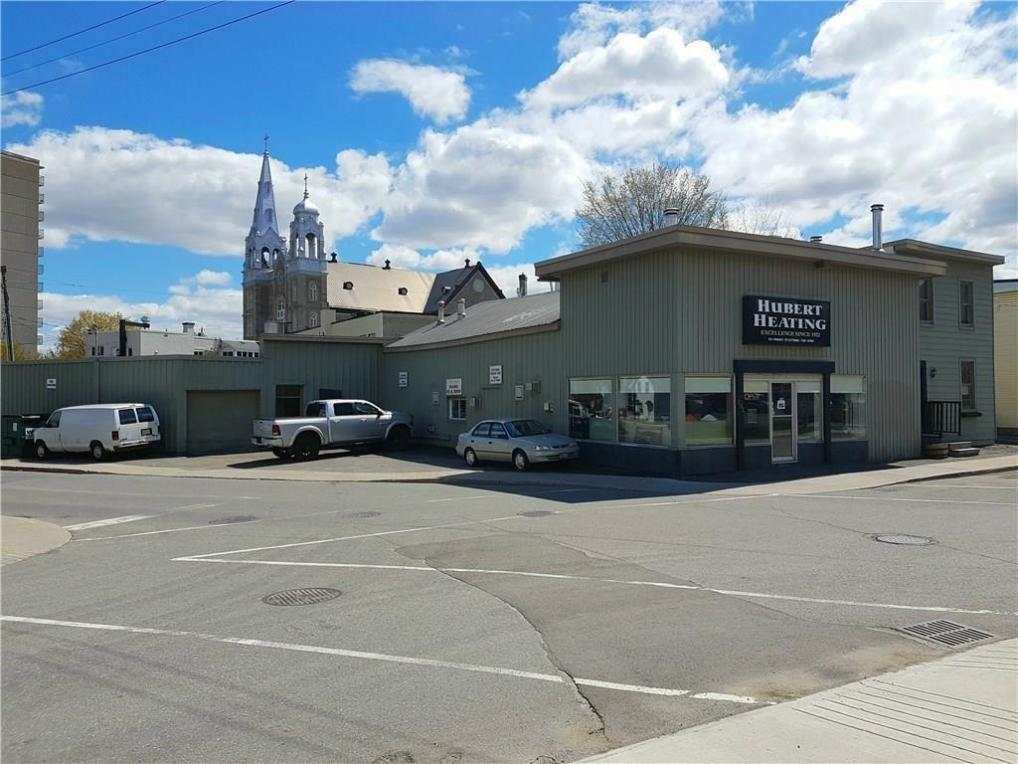 101/103 Pinhey Street, Ottawa, Ontario K1Y1T7