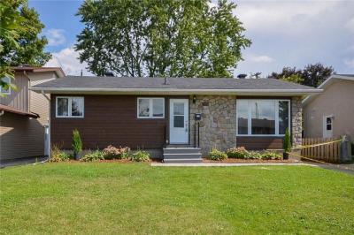 Photo of 2215 Urbandale Drive, Ottawa, Ontario K1G3G3