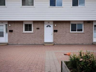 Photo of 65 Hadley Circle, Ottawa, Ontario K2H7Z8
