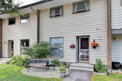 Photo of 58 Carmichael Court, Ottawa, Ontario K2K1K2