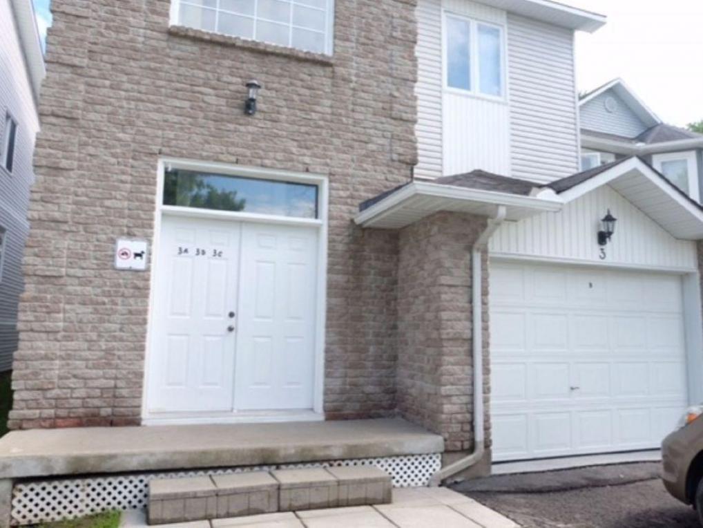 75 Lapointe Boulevard Unit#3b, Embrun, Ontario K0A1W0