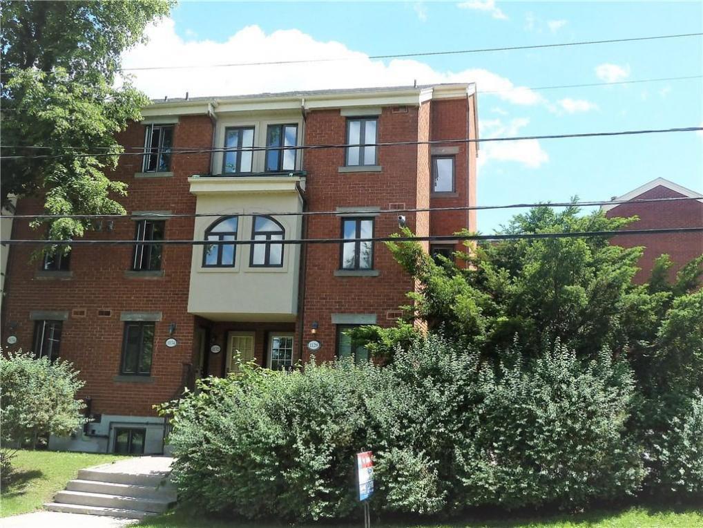 1128 Blasdell Avenue, Ottawa, Ontario K1K0C2